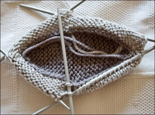 Babacipő kötése