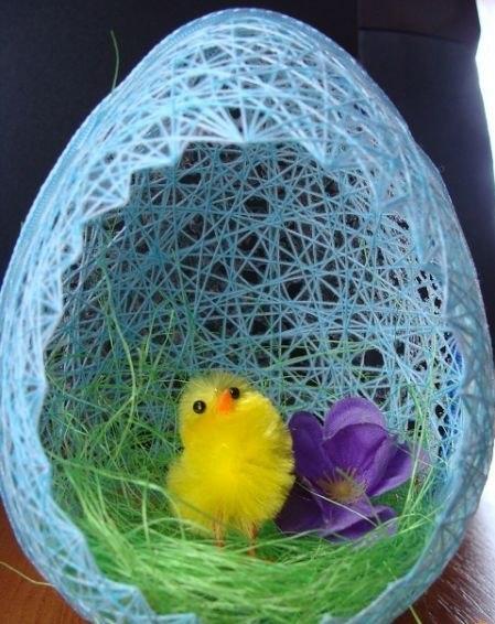 Húsvéti tojás cérnából